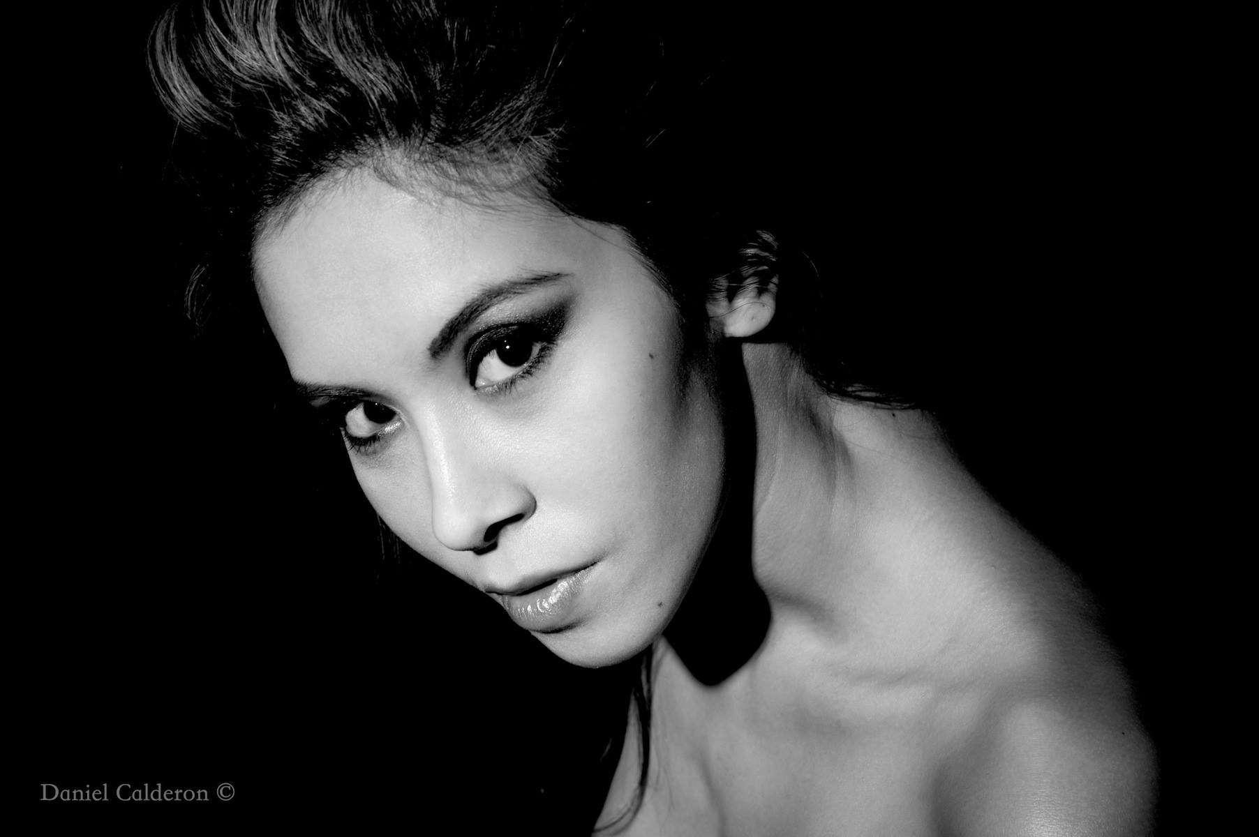 jenny suv femme genève modèle mannequin suisse maquilleuse danseuse portrait noir blanc