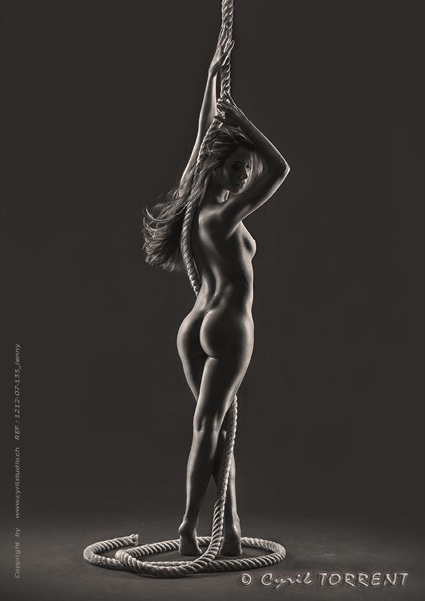 jenny suv femme genève modèle mannequin suisse maquilleuse danseuse nu noir blanc charme artistique académique cyril torrent