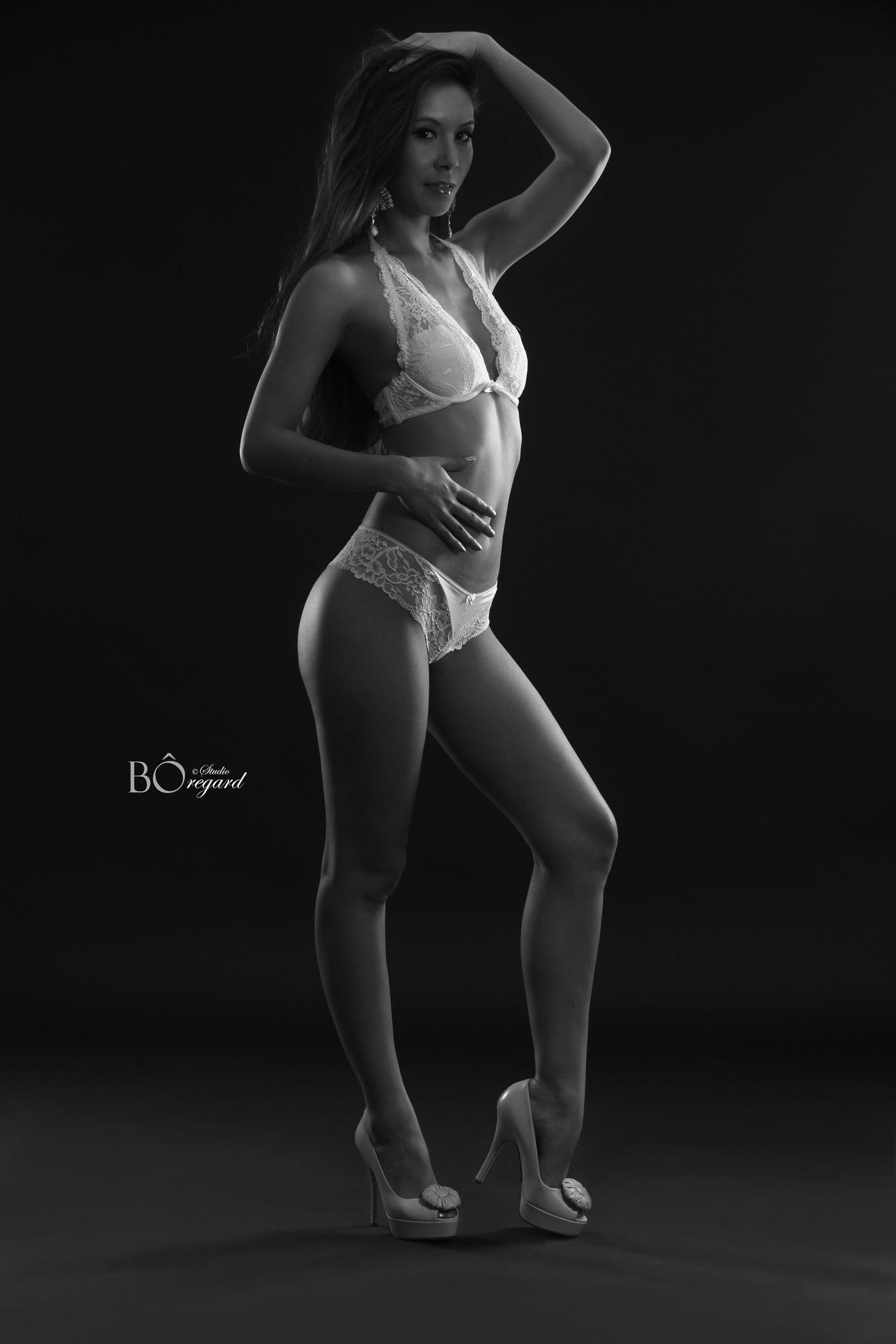 jenny suv femme genève modèle mannequin suisse maquilleuse danseuse noir blanc charme lingerie