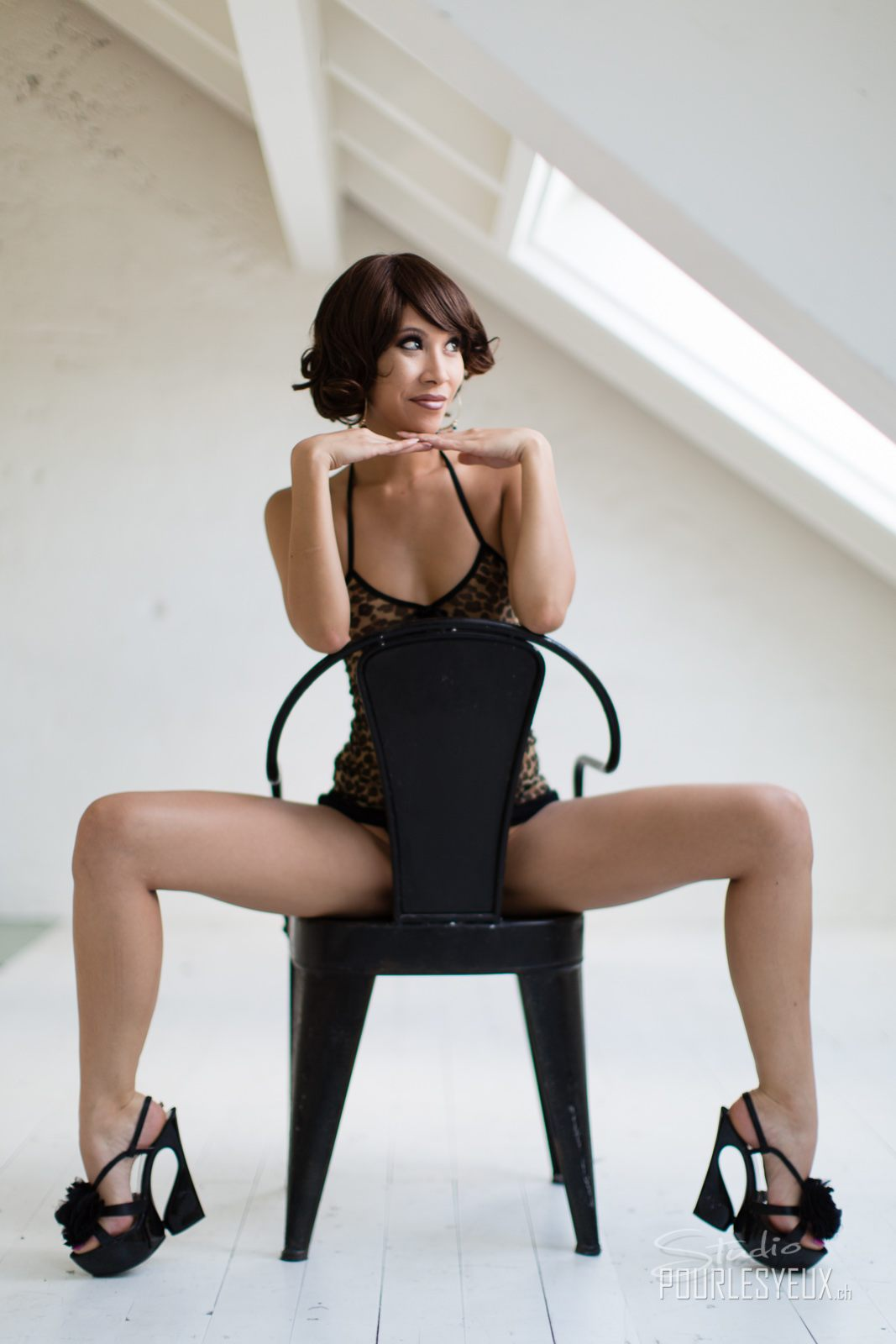 jenny suv femme genève modèle mannequin suisse maquilleuse danseuse lingerie charme