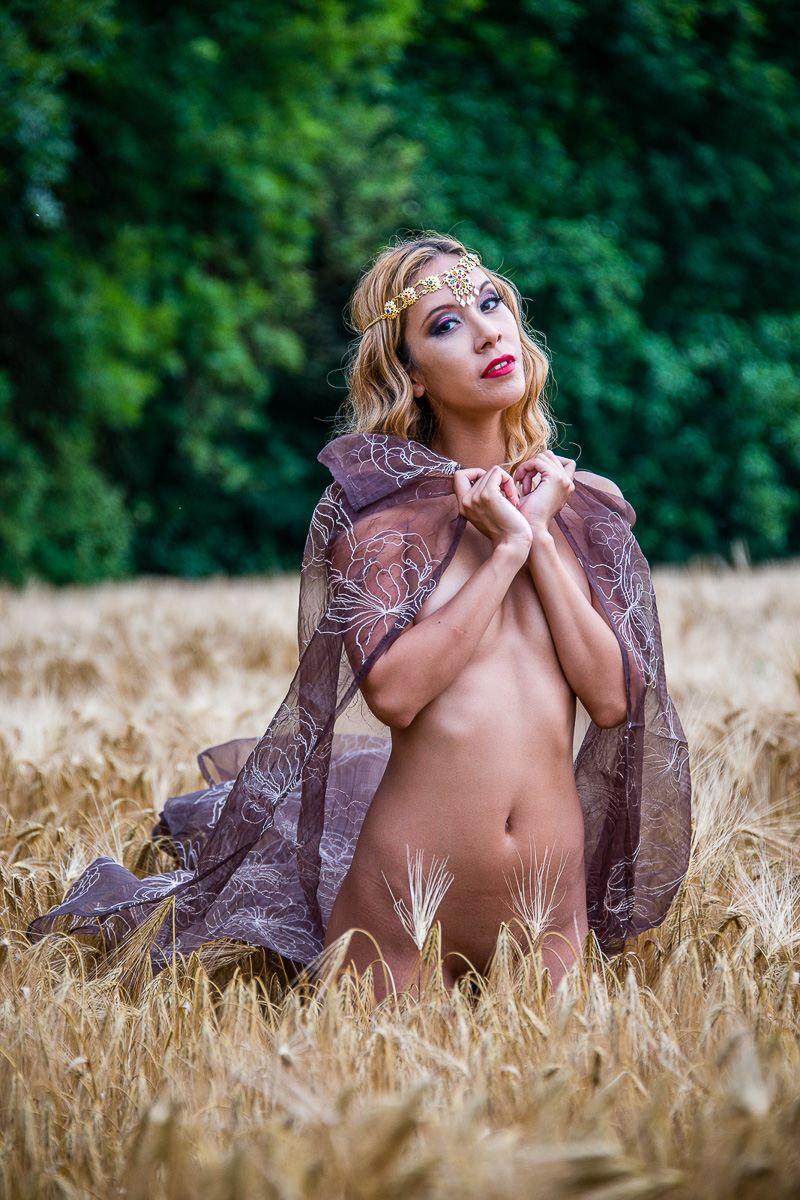 jenny suv femme genève modèle mannequin suisse maquilleuse danseuse nu charme champs