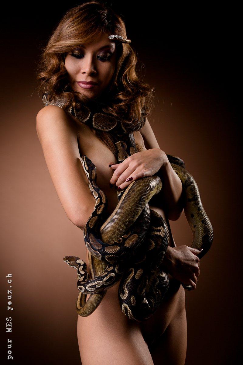jenny suv femme genève modèle mannequin suisse maquilleuse danseuse nu charme serpent