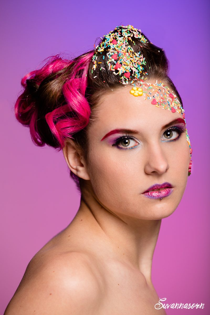 suvannasorn maquillage beauté femme genève maquilleuse artiste photographe bonbon rose violet gourmandise coiffeuse