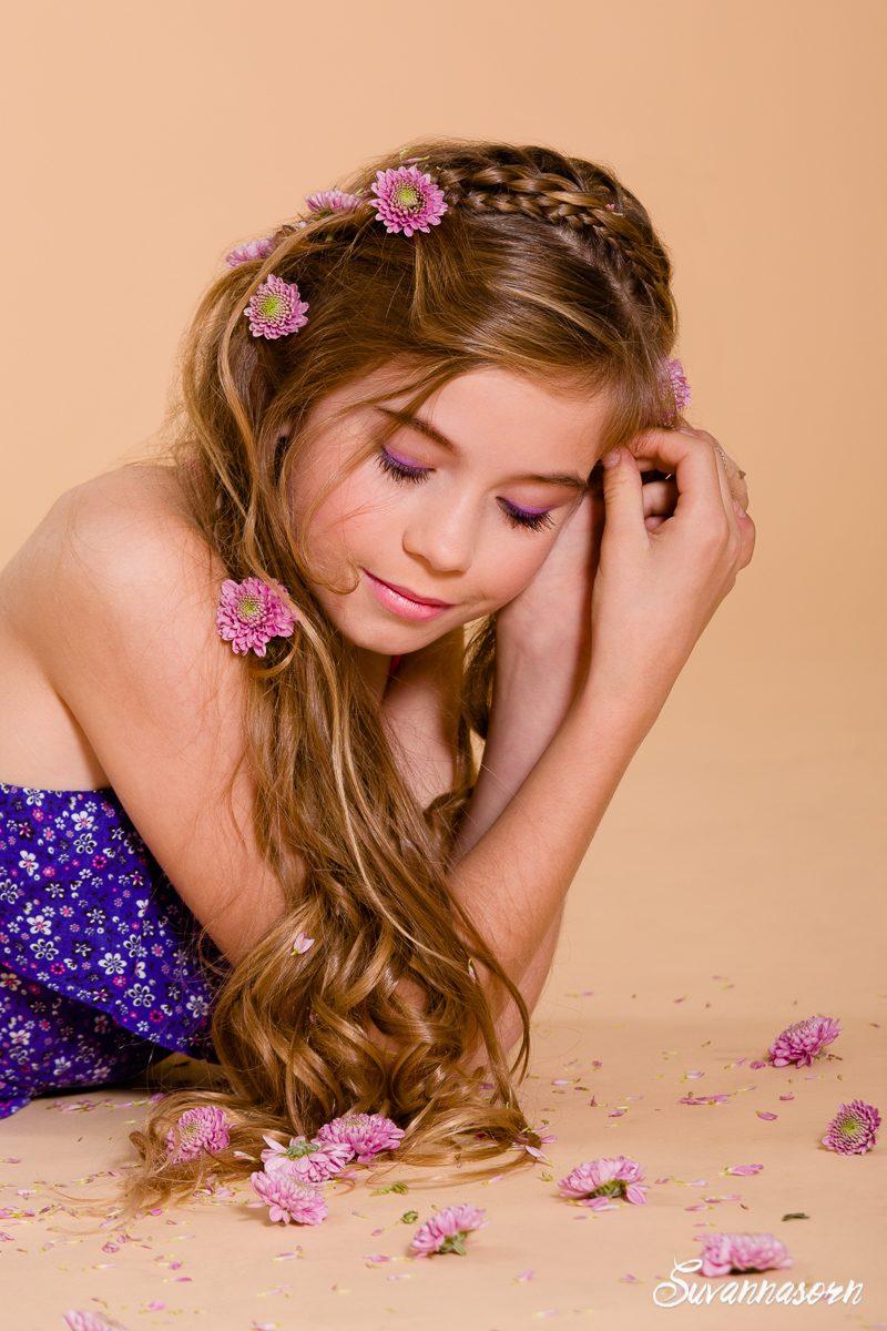 suvannasorn maquillage beauté violet femme genève maquilleuse artiste photographe enfant fille
