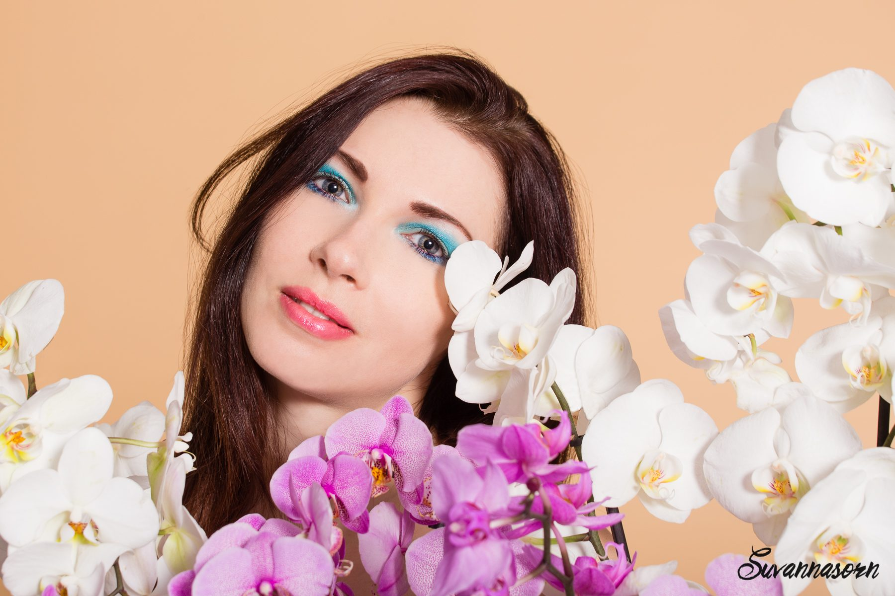 suvannasorn photographe beauté femme modèle genève suisse maquillage maquilleuse coiffeuse bleu orchidée