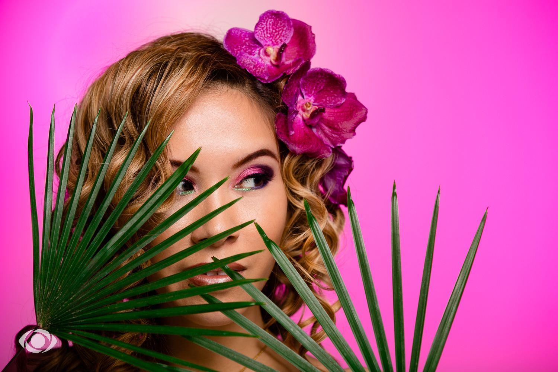 suvannasorn photographe beauté femme modèle genève suisse maquillage maquilleuse coiffeuse orchidée violet rose vert mannequin