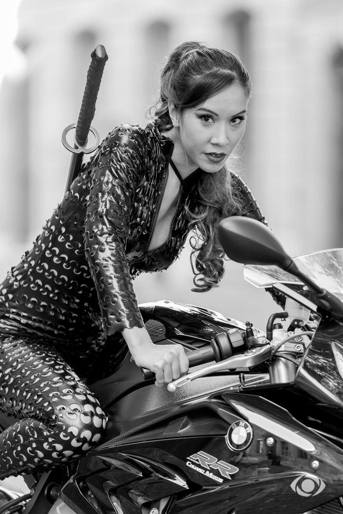moto jenny suv femme modèle mannequin mode fashion bmw genève suisse maquillage maquilleuse coiffeuse