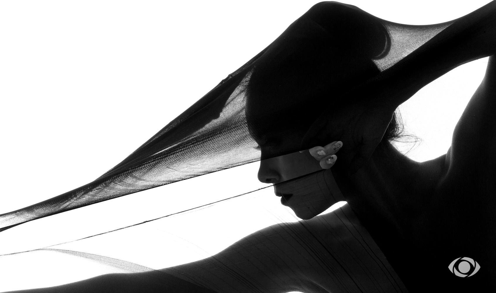 jenny suv femme genève modèle mannequin suisse maquilleuse danseuse portrait noir blanc charme artistique