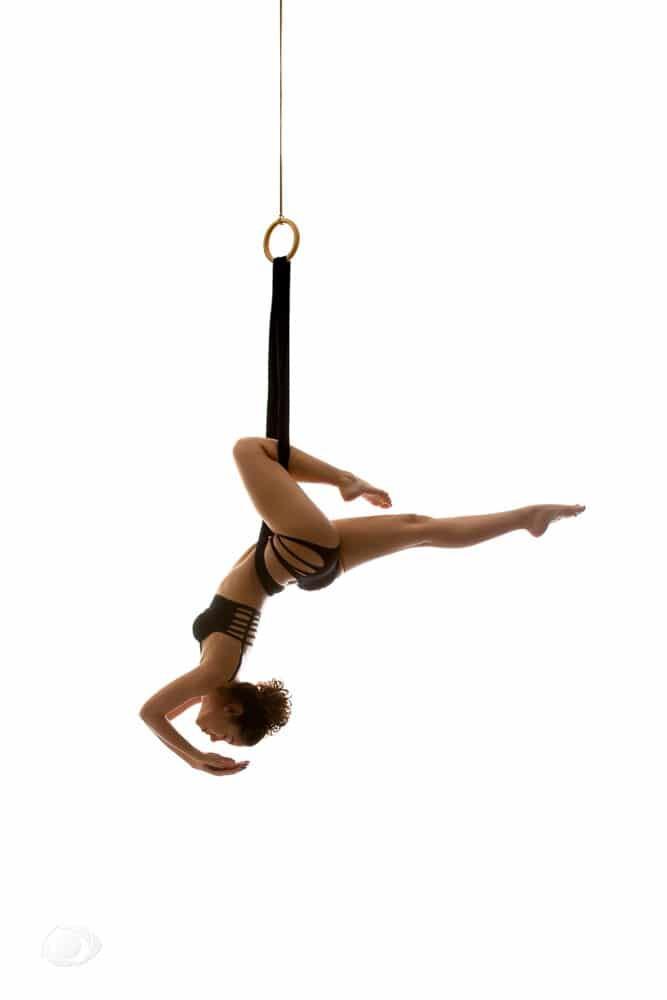femme genève modèle mannequin suisse maquilleuse danseuse artistique acrobatique