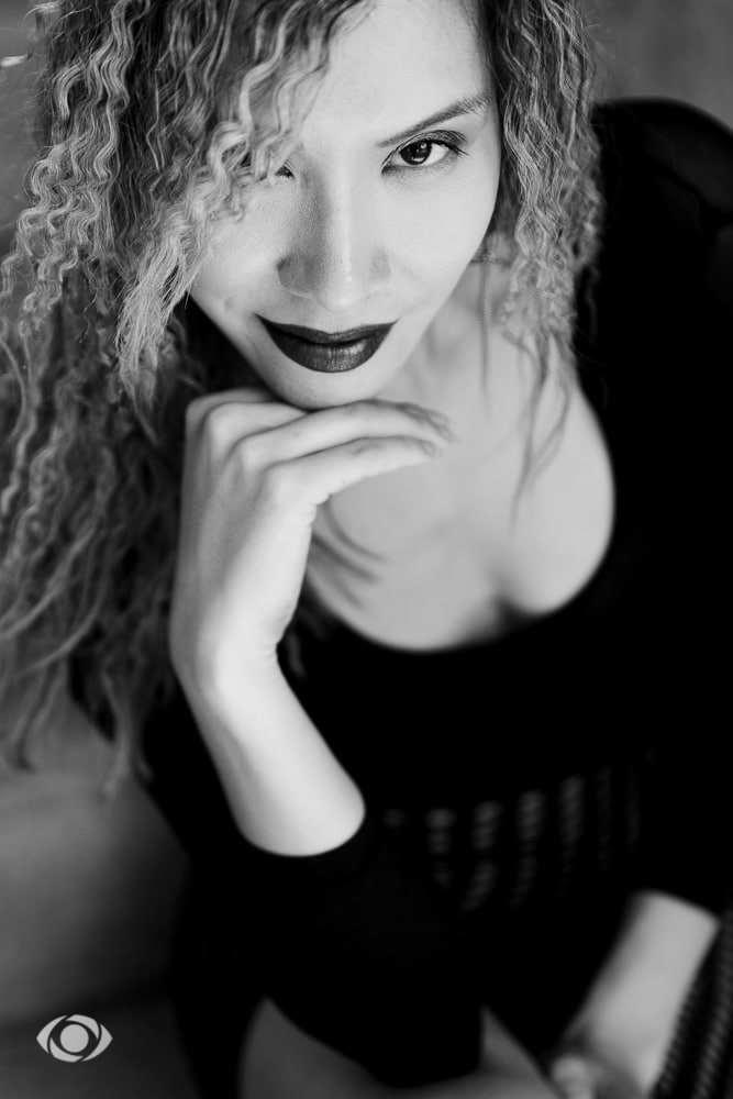 femme genève modèle mannequin suisse maquilleuse danseuse portrait noir blanc