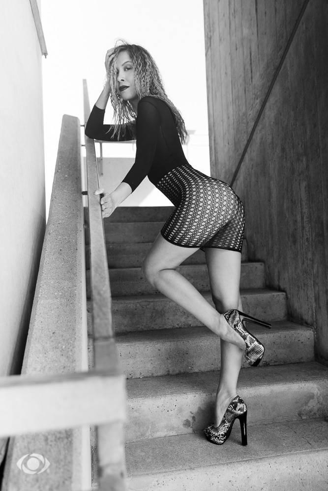 femme genève modèle mannequin suisse maquilleuse danseuse nb mode