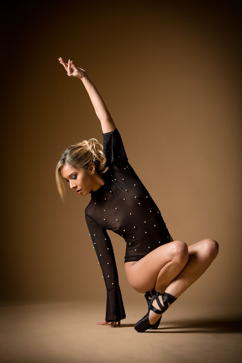 jenny suv femme genève modèle mannequin suisse maquilleuse danseuse lingerie charme ballet ballerine