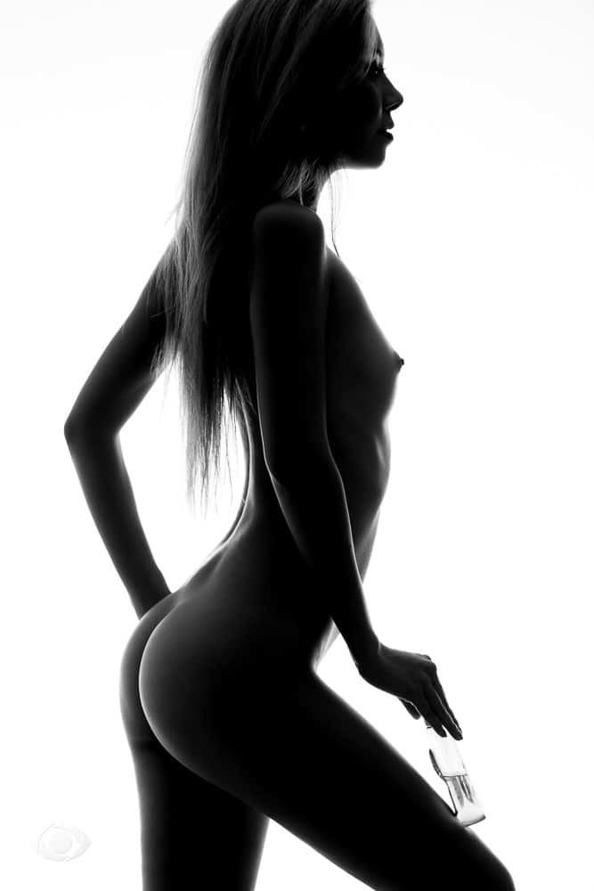 jenny suv femme genève modèle mannequin suisse maquilleuse danseuse pola nu noir blanc