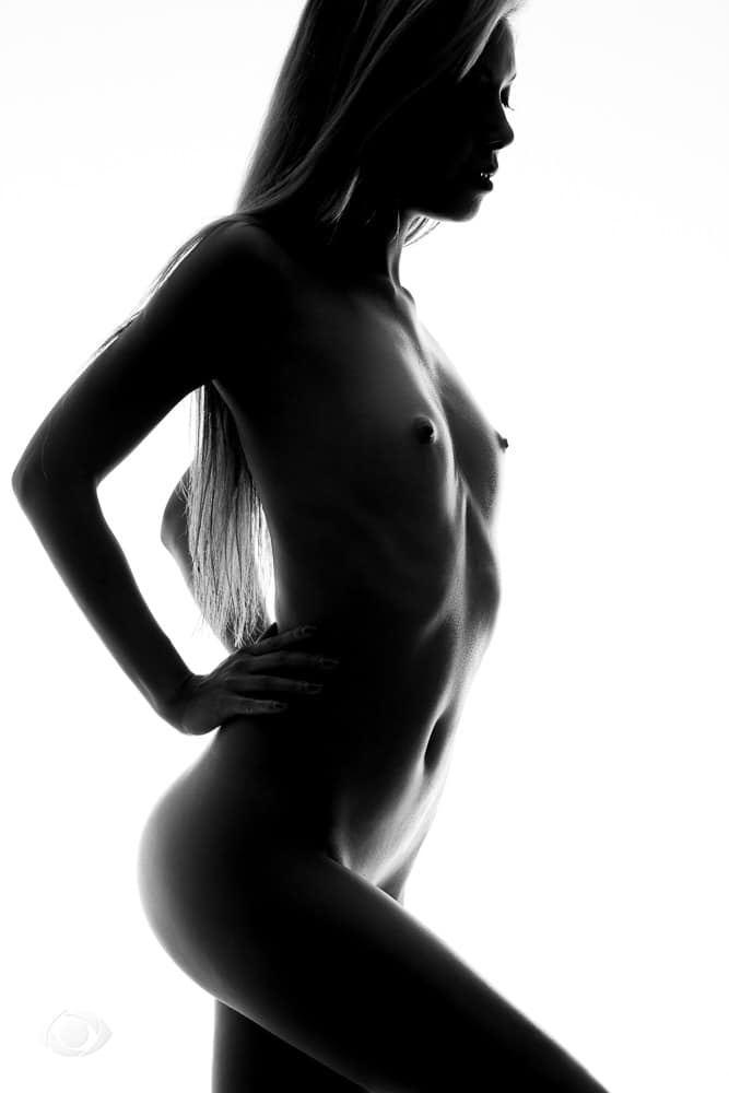 femme genève modèle mannequin suisse maquilleuse danseuse pola nu artistique