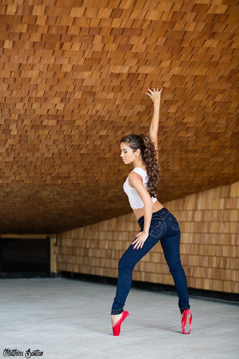 jenny suv femme modèle mannequin genève maquillage maquilleuse coiffeuse ballet danse ballerine