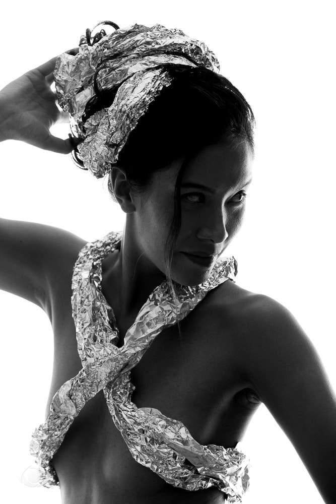 jenny suv femme genève modèle mannequin suisse maquilleuse danseuse nu noir blanc charme portrait