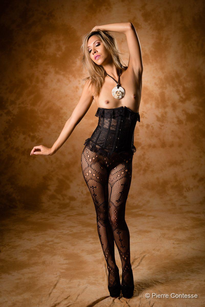modèle jenny suv suisse genève maquilleuse maquillage mannequin comédienne actrice femme nu