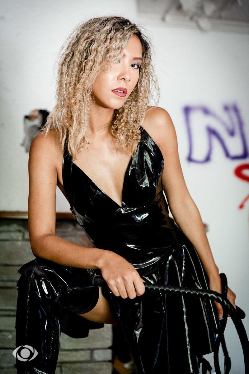 modèle suisse mannequin genève urbex latex vinyle sexy fetish